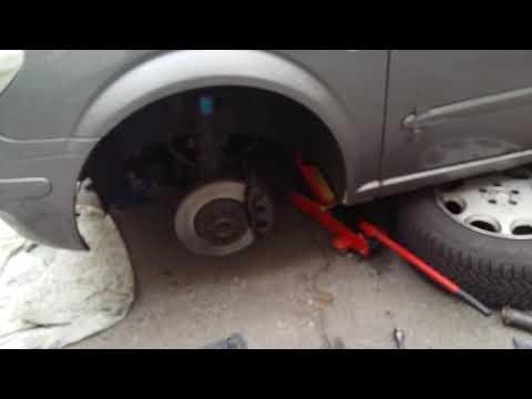 Mercedes Benz 639 замена подушки двигателя.