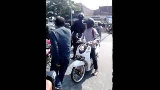 getlinkyoutube.com-wajib tonton!! gojek vs ojek pangkalan prapatan gandul
