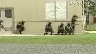 getlinkyoutube.com-対ゲリラ市街戦訓練