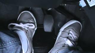 getlinkyoutube.com-Usando os pedais de embreagem, freio e acelerador - Vença o Medo de dirigir