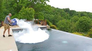 Wat als je droog ijs in een zwembad doet?