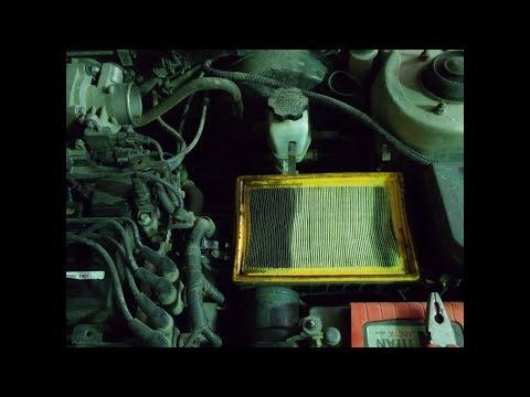 Акцент кидает масло в воздушный фильтр.