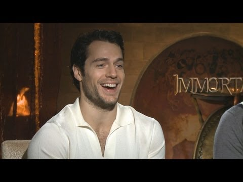 "Henry Cavill talks about the ""Man of Steel"" costume"