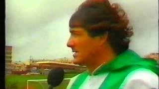 Manuel José orienta o último treino após rescisão em 1989/1990