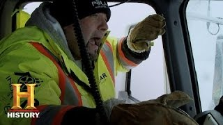 getlinkyoutube.com-Ice Road Truckers: The Most Dangerous Crossing of Todd's Life (S9, E3) | History