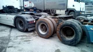getlinkyoutube.com-Freightliner VS Scania