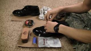 getlinkyoutube.com-How to Fire Shine Low-Quarter Shoes