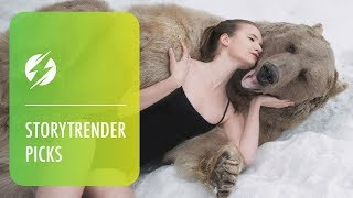 getlinkyoutube.com-Russian Models Pose Next To Brown Bear