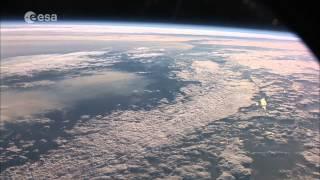 getlinkyoutube.com-شاهد كوكب الأرض من الفضاء. رائع جداً 1080 HD