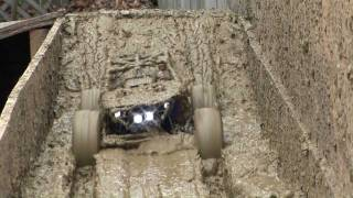 getlinkyoutube.com-Axial Wraith VXL boggin at Crawler World Oct 26, 2011