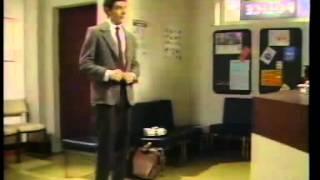 getlinkyoutube.com-Mr Bean - Extra - Mr Bean's Red Nose Day