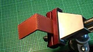 getlinkyoutube.com-【革の縫い方っ!10-前編】:『箱縫い+駒合わせ縫い+すくい縫い』 レザークラフト動画<017>