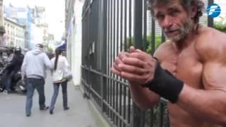 getlinkyoutube.com-Este es el vagabundo con el mejor físico del mundo -11/12/2014