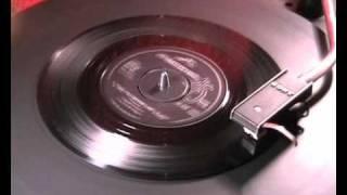 getlinkyoutube.com-Johnny Kidd & The Pirates - A Shot Of Rhythm And Blues - 1962 45rpm
