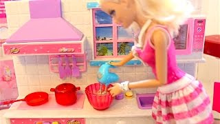 getlinkyoutube.com-Barbie Kitchen set Real Cooking Barbie Dreamhouse Bubble Trouble and  Frozen Magic