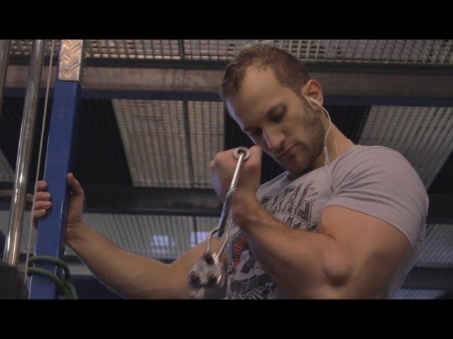 Bizeps & Trizeps an einem Tag trainieren? Muskelaufbau richtig geplant!