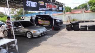 getlinkyoutube.com-Rakem's Diesel Drag Race (2KD-FTV) vs Petrol (Estilo)