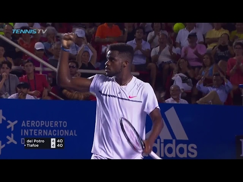 Tiafoe makes an incredible get after a scramble in Acapulco