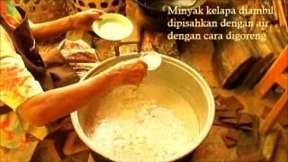 getlinkyoutube.com-Membuat Minyak Kelapa Tradisional-Rumah Intaran