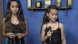 getlinkyoutube.com-Kelly & Kênia - 98 - Amor Distante
