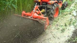 getlinkyoutube.com-kubota b2420,chota tractor 24 hp...in wet paddy field