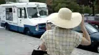 getlinkyoutube.com-Crazy Dance to Ice Cream Truck Music