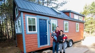 getlinkyoutube.com-Family of Four Tiny House With All The Bells and Whistles