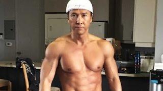 getlinkyoutube.com-Donnie Yen o astro do kung fu tem uma dura rotina de treinamentos