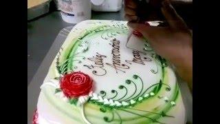 getlinkyoutube.com-Finalizando bolo de chantilly