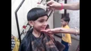 getlinkyoutube.com-Mashroom Haircut  - how to make  mashroom hair cut