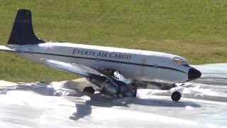 getlinkyoutube.com-RC DC-6 Crash after Landing Gear Strike on Runway Tarp