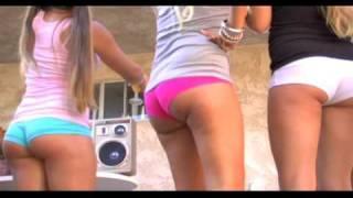 getlinkyoutube.com-fun girls in booty shorts dancing