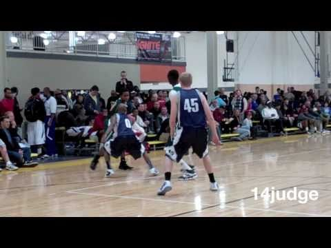Kevin 'Yogi' Ferrell Alley-oop machine Indiana Elite AAU Mix (Indiana Univ.) top 2012 PG?