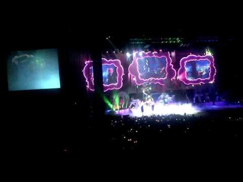 Katy Perry - Ur So Gay live #JAKARTADREAMS