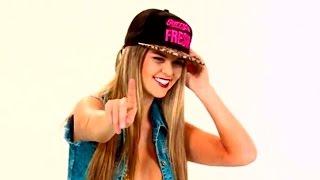 getlinkyoutube.com-¿Peluchín se identifica con videoclip de Brunella Horna?