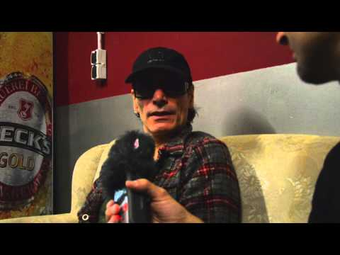 Steve Vai interview about wild parties with David Lee Roth, current projects and collecting guitars