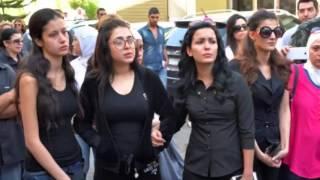 صورمحزنة  في  تشييع جثمان الفنانة رندة مرعشلي وأطفالها الصغار يبكون الجميع