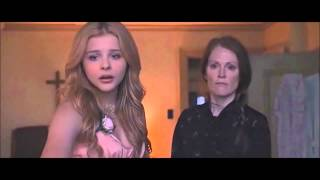 """getlinkyoutube.com-""""Carrie"""" (2013) CLIP: Carrie Gets Ready to Leave for the Prom [Chloe Grace Moretz, Julianne Moore]"""