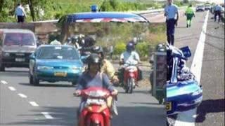 getlinkyoutube.com-Mohamed Mazouni chante :Halte à la vitesse
