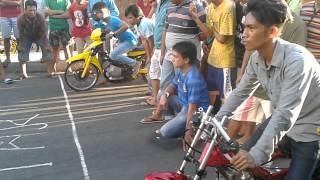 getlinkyoutube.com-Satria 2T Vs Satria FU (Balap Liar Manado)