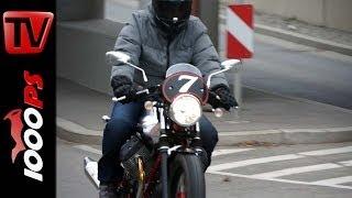 getlinkyoutube.com-First Test | Moto Guzzi V7 Racer Action und Detail