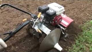 getlinkyoutube.com-The Satoyama Initiative 小型畦塗機の使い方