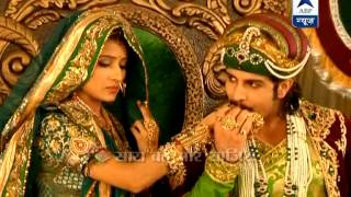 getlinkyoutube.com-Jodha and Akbar praying