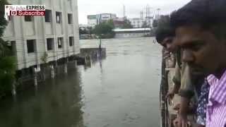 Visuals Of Chennai Rains: Saidapet Slum On The Bank Of Adyar River