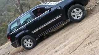 getlinkyoutube.com-Jeep Grand Cherokee HEMI Climb Test