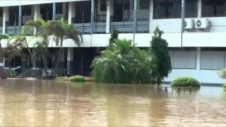 getlinkyoutube.com-น้ำท่วมโรงเรียนขาณุวิทยา10ตค54ภาค 1.flv
