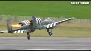 getlinkyoutube.com-A-10 Warthog catches fire on takeoff (huge RC model plane)