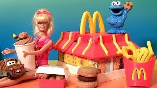 getlinkyoutube.com-Play Doh McDonald's Restaurant Playset With Cookie Monster Barbie Mold Burgers Fries McNuggets