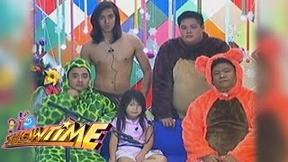 getlinkyoutube.com-It's Showtime ToMiho: Aimi and her animal friends