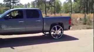 getlinkyoutube.com-Silverado on 30's